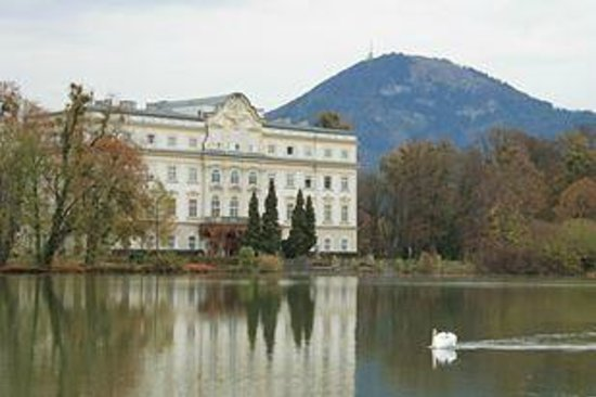 Panorama Tours Original Sound of Music Tour: The backyard of Vontramp Movie Villa (garden scene, canoe scene)