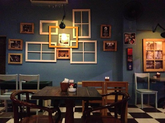 The Doors Cafe Lovely corner : doors cafe - pezcame.com