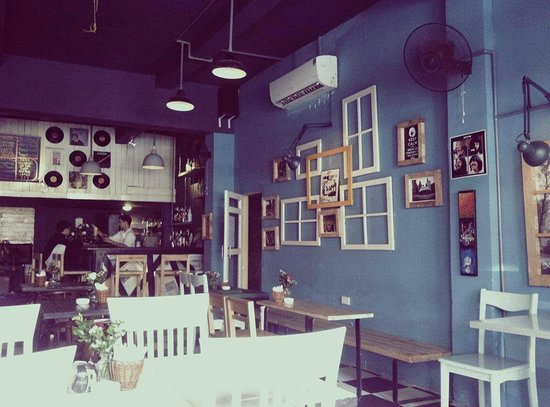 The Doors Cafe A lovely place during autumn in Hanoi & A lovely place during autumn in Hanoi - Picture of The Doors Cafe ...
