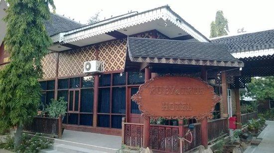 Ruby True Hotel : Entrance of hotel...