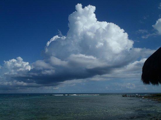 La Buena Vida Restaurant: le nuvole viste dal tavolo...