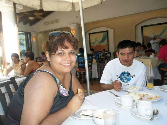 Buenaventura Grand Hotel & Great Moments All Inclusive: DESAYUNANDO EN FRUTAS Y FLORES