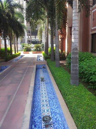 Orient Taj: walk way