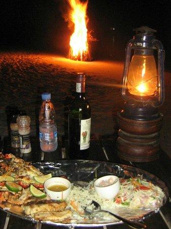 The Manta Resort: Beach dinner