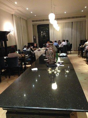 Fu 1039: Interior of main dining area