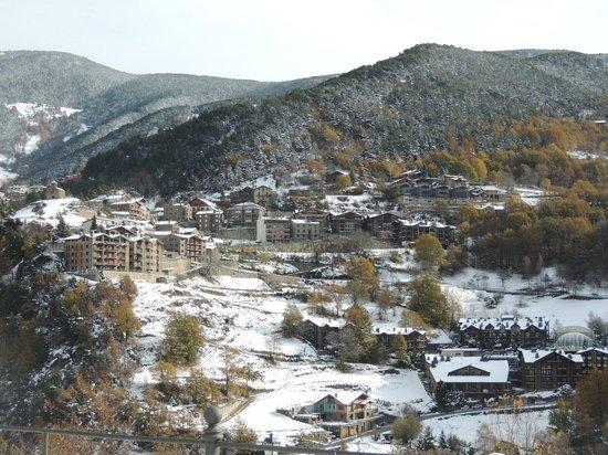 Abba Xalet Suites Hotel: Vistas desde la puerta del hotel