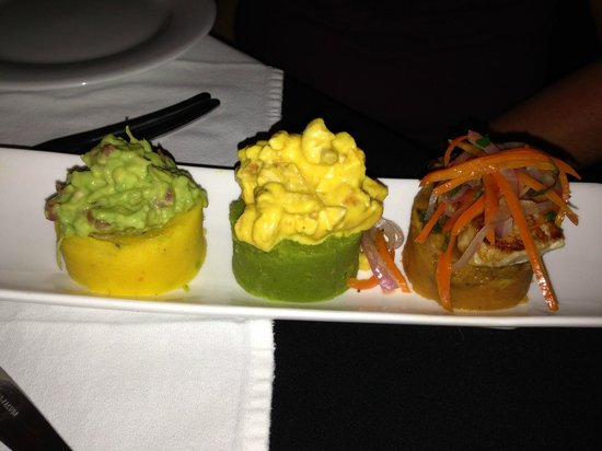 El Albergue Restaurant: Potato trio appetizer