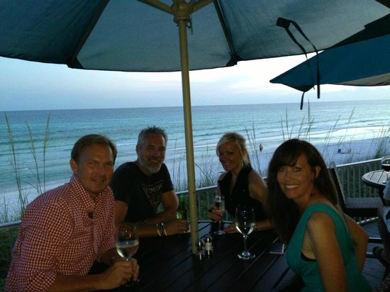 Santa Rosa Fl Vue On 30a The Outdoor Patio For Dinner