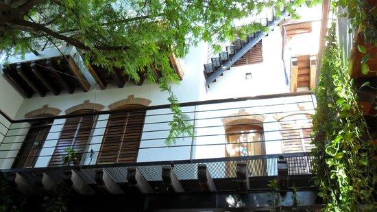 Casa de Isabella - a Kali Hotel: Inside the hotel