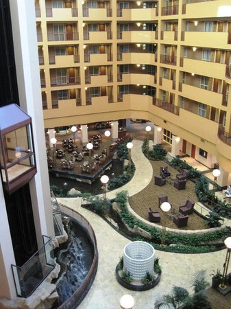 Embassy Suites by Hilton Portland Airport: View from 5th floor