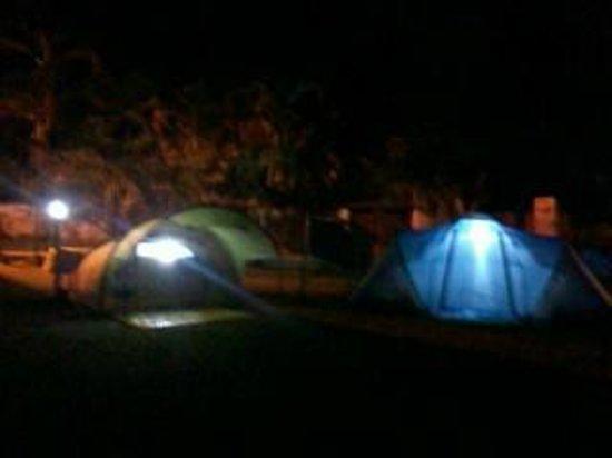 Pousada e Camping Marymar: vista do camping Marymar a noite, sossego