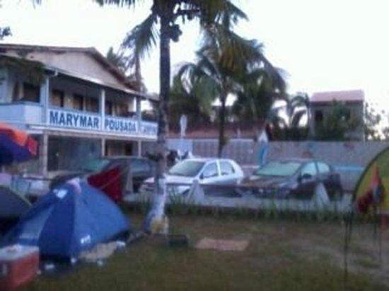 Pousada e Camping Marymar: vista da recepção e piscina, visão do camping