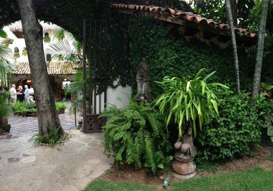 Hacienda San Angel: Courtyard at HSA