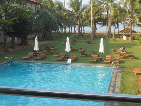 Hotel Mermaid & Club : View from the restaurant balcony