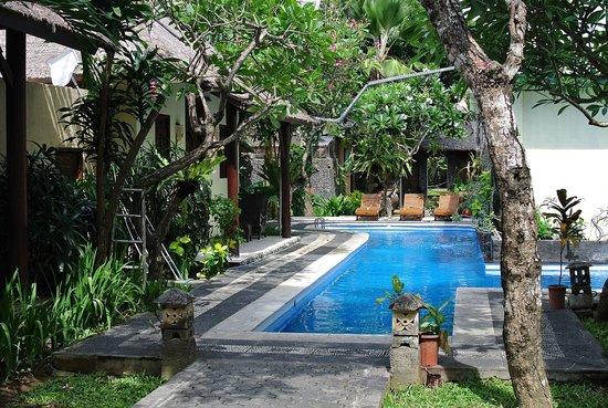 Alam Bali Resorts: Exterior