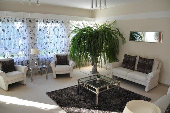 Hotel Christine: Lounge area