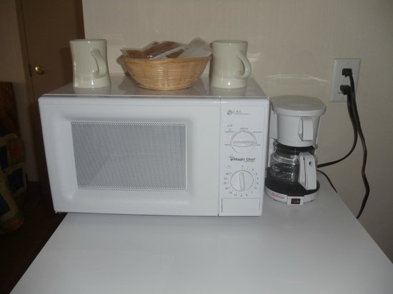 Carousel Resort Hotel & Condominiums: In room coffee and microwave