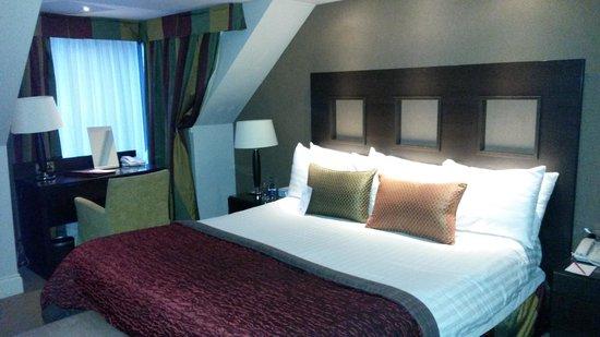 Clandeboye Lodge Hotel : King size bed