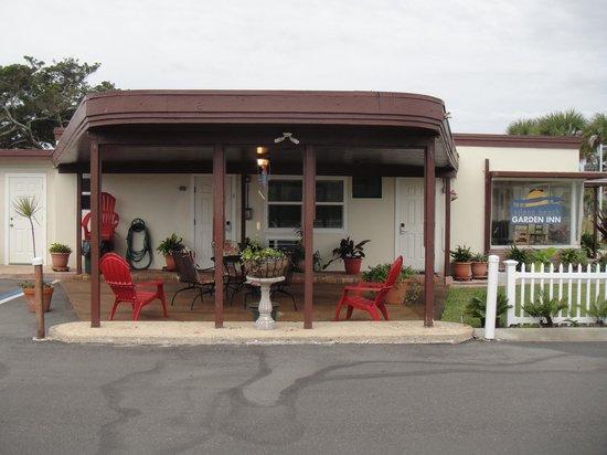 Vilano Beach Garden Inn: Patio