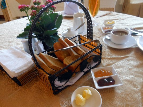 Dalat Plaza Hotel: Breakfast Set ( no buffet on our first breakfast but we understand)