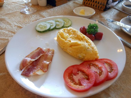 Dalat Plaza Hotel : Breakfast set, this comes with yummy fried rice or Pho