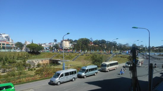 Dalat Plaza Hotel : View from our breakfast table, you can see the city center and lake from here, very near