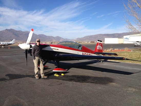 OK3 Air: Extra 300L used for upset and aerobatic training.