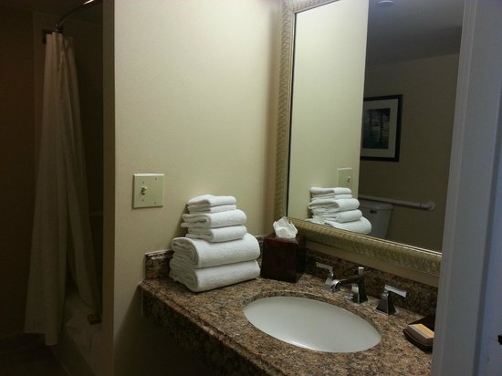 Anaheim Marriott: sink in front of restroom