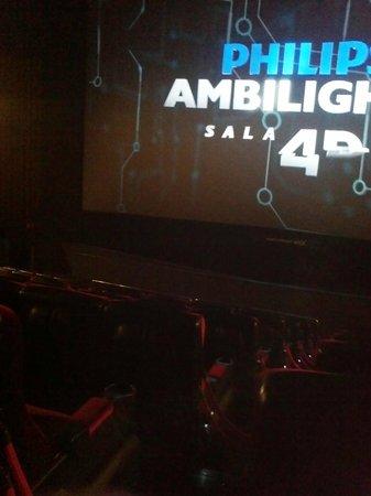 Tela sala 4d foto de cin polis jk iguatemi cinema s o for Sala 4d cinepolis
