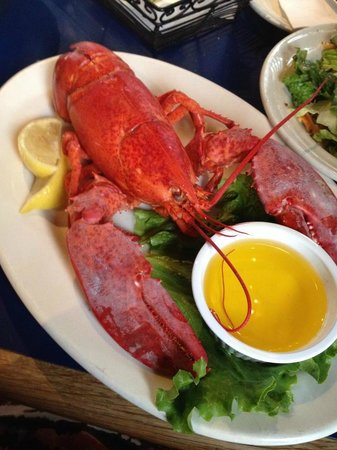 Boston Sail Loft Restaurant : My Lobster lunch with salad
