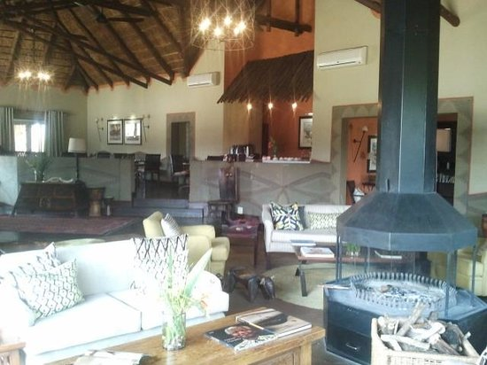 Pumba Private Game Reserve: The beautiful lounge (with toasty open fire at night)...