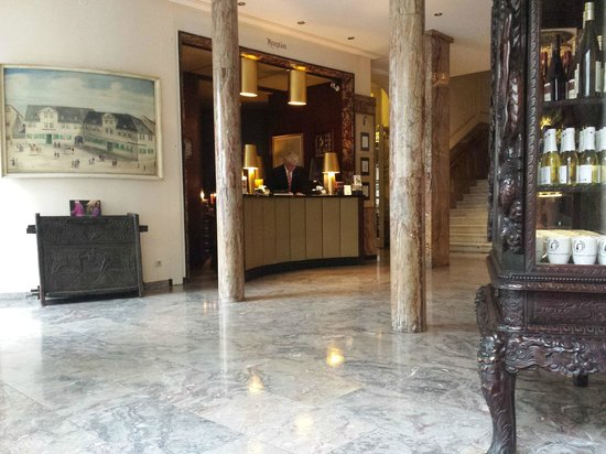 Radisson Blu Schwarzer Bock Hotel: reception