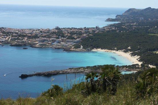 Hotel & Spa S'Entrador Playa: Hôtel S'entrador Playa vu de la Talaia de Son Jaumell