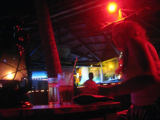 Pogo Beach Bar & Grill : PoGo