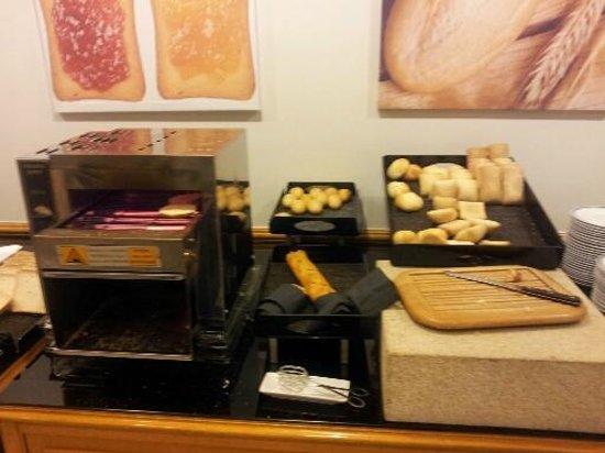 Melia Maria Pita: desayono seleccion de pan