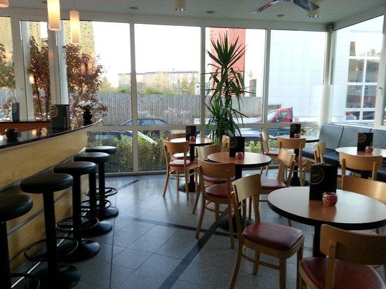 Citylight Hotel: Hotel cafe