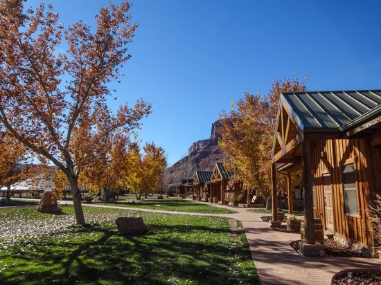 Sorrel River Ranch Resort and Spa: rooms not facing the river still have great views of the red cliffs and the river is right behin