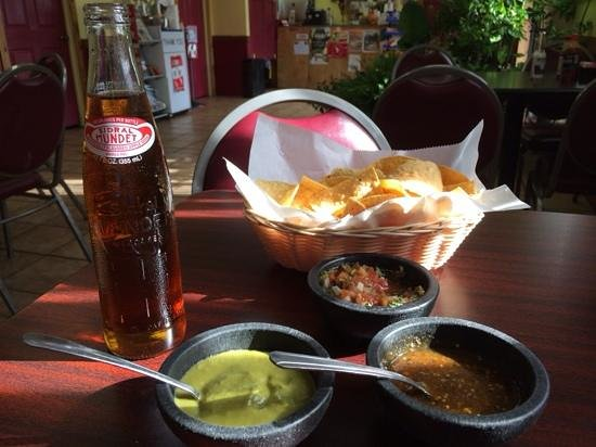 Taqueria Beccerra: assorted salsas that come with a meal
