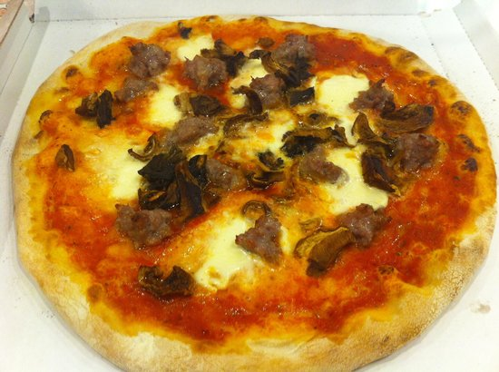 Edamus - Pizza Al Taglio & Panini All'Italiana: Pizza con salsiccia e porcini freschi
