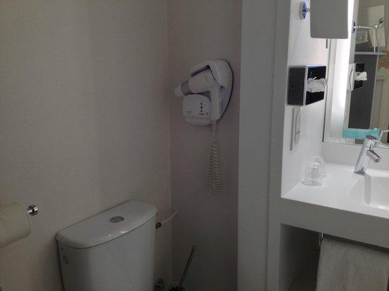 Mercure Correze la Seniorie Hotel : Baño