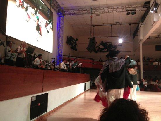 Brisas del Titicaca: Show de folclore