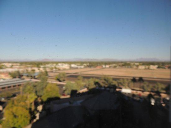 Phoenix Marriott Mesa: Room views facing mountains from high floors
