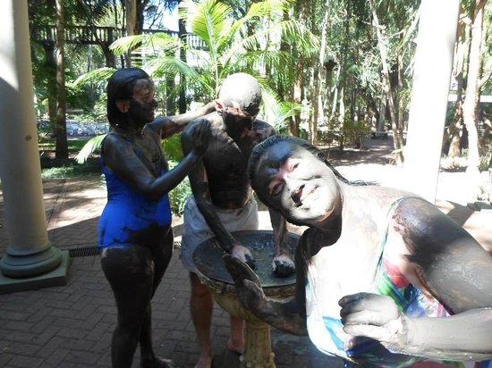 Jurema Aguas Quentes: Baño de lama negra, excelente para la piel