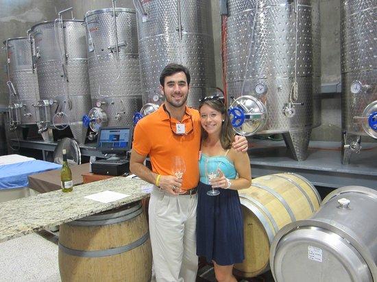 Texas Wine Tours: @ Louis Wines