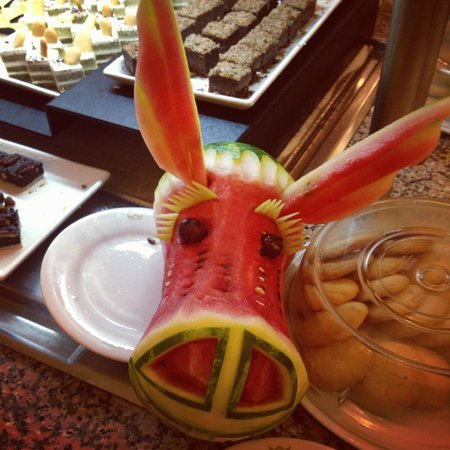 Hotel Riu Palace Cabo San Lucas: They always had neat watermelon animals at the buffets.