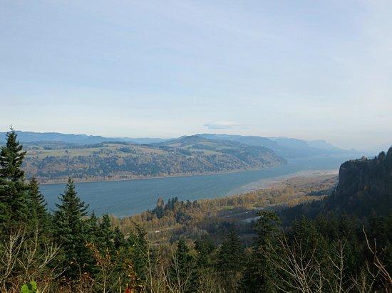 America's Hub World Tours: Columbia River