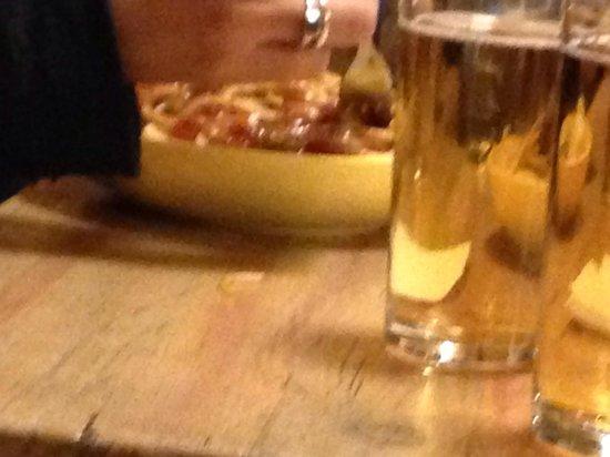 Hostel Mostel: Spaghetti e birra.