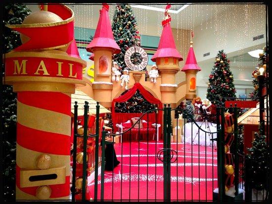 Devonshire Mall: Santa Set