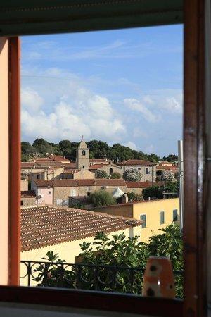 B&B La Porta Sulla Costa : La finestra sul centro del paese