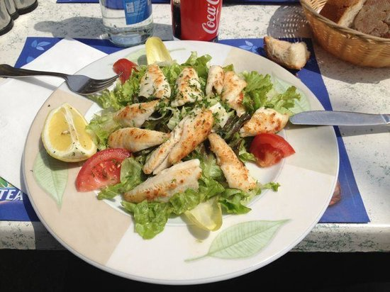 Brasserie Port Saladin: La salade de filets de perches